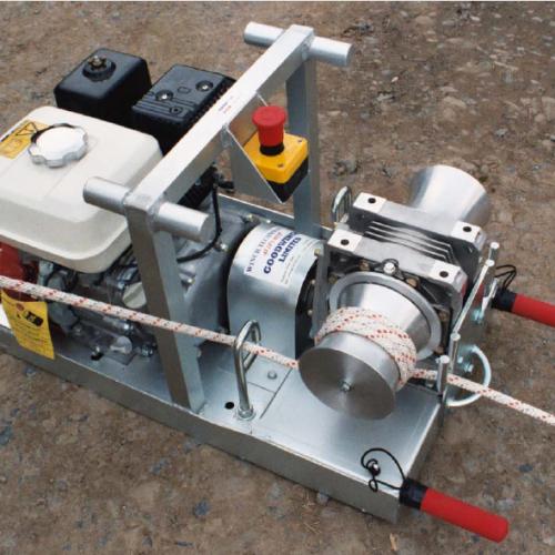 Portable petrol twin capstan winch